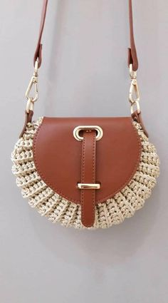 Marvelous Crochet A Shell Stitch Purse Bag Ideas. Wonderful Crochet A Shell Stitch Purse Bag Ideas. Crochet Shell Stitch, Crochet Tote, Crochet Handbags, Crochet Purses, Latest Handbags, Fashion Handbags, Purse Patterns, Knitted Bags, Handmade Bags