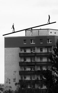 Walking on the line (Berlin)