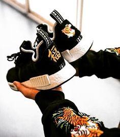 Upcoming Neighbourhood x Invincible Adidas NMDs Adidas Nmd R1, Hip Hop Sneakers, Sneakers Nike, Adidas Neighborhood, Ella Shoes, Streetwear, Basket Mode, Mens Fashion Shoes, Fashion Top