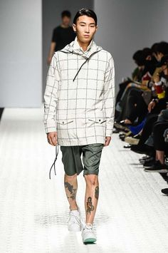 Male Fashion Trends: Sewing Boundaries Spring-Summer 2017 - Seoul Fashion Week
