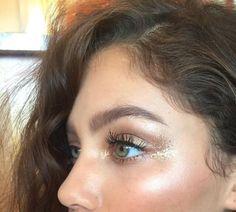 glowy makeup – Hair and beauty tips, tricks and tutorials Boho Makeup, Glowy Makeup, Prom Makeup, Makeup Inspo, Natural Makeup, Beauty Makeup, Hair Beauty, Makeup Ideas, Boho Wedding Makeup