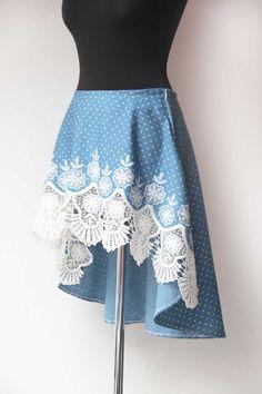 Ručně šitá dámská asymetrická sukně s bohatou krajkou podle vlastního autorského střihu / Handmade asymetrical skirt from fabric I bought in Linz. My own author's pattern
