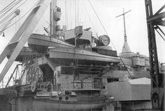 [Photo] Port side motor launches of battleship Bismarck, Bismarck Ship, Bismarck Model, Bismarck Battleship, Hms Ark Royal, Hms Hood, Heavy Cruiser, Capital Ship, Naval History, Armada