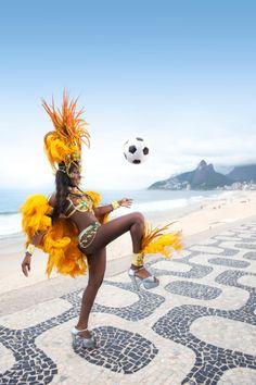 Samba dancer playing soccer on the beach, Rio de Janeiro, Brasil Carnival Girl, Brazil Carnival, Holidays Around The World, Around The Worlds, Samba Costume, Carnival Festival, Brazil Travel, Travel Tours, Travel Ideas