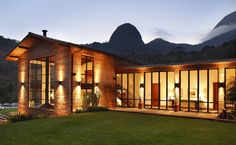 arquitectura,arquitetura-More after the coffee ☕️- House RV📷✏️📐 Beto Figueredo---architecture arquitectura arquitetura building archite Beautiful Architecture, Modern Architecture, New York Loft, Design Exterior, Rustic Contemporary, Style At Home, House Tours, My House, Beautiful Homes