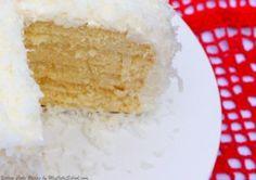 Yellow Cake Recipe by MyCakeSchool.com Cake Recipes From Scratch, Cake Receipe, Cupcake Recipes, Mini Cakes, Cupcake Cakes, How To Stack Cakes, Sem Lactose, Layer Cakes, Pastries