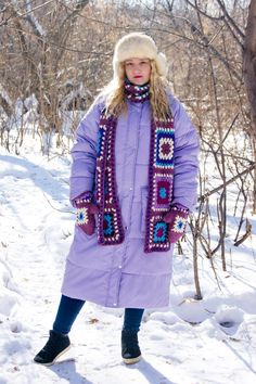 Granny square crocheted scarf and mittens by Olga Anokhina