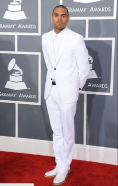 el traje y Chris Brown <3
