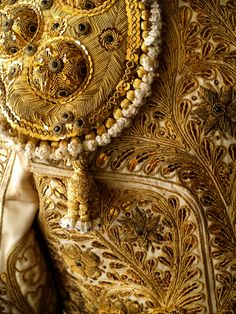 Detail of Matador Cloth. Gold Embroidery, Embroidery Patterns, Bullion Embroidery, Textiles, Matador Costume, Belle Epoque, Flamenco Dancers, Shades Of Gold, Gold Work
