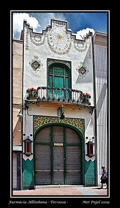 Farmàcia Albiñana - Terrassa - by Met Pujol, via Flickr