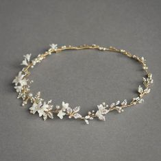 Bridal Jewelry I bet our wire wrappers could make tiaras! Heavenly halo, straight off the workbench - Stylish Jewelry, Cute Jewelry, Hair Jewelry, Wedding Jewelry, Fashion Jewelry, Gold Jewellery, Silver Jewelry, Bridal Accessories, Jewelry Accessories