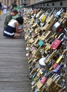 """Locked With Love"" installation is one of the sweetest installation art to date.:)"