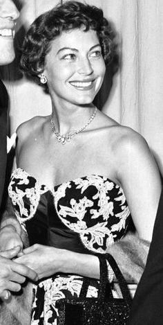 Bella sonrisa! Hollywood Icons, Golden Age Of Hollywood, Hollywood Stars, Ava Gardener, Actrices Hollywood, Man Up, Classic Man, Glamour, American Actress