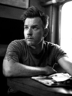 Ewan McGregor.  Sexy, scruffy, and an accent to boot. :)