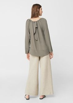 Flowy blouse   MANGO