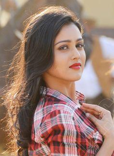 Beautiful Muslim Women, Beautiful Girl Indian, Most Beautiful Indian Actress, Beautiful Girl Image, Beautiful Models, Beautiful Bollywood Actress, Beautiful Actresses, Beautiful Heroine, Beauty Full Girl