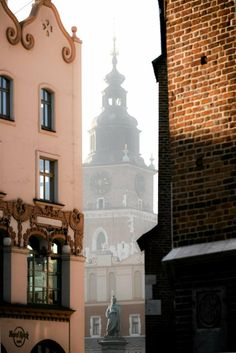 Cracow : Adam Mickiewicz monument and Town Hall Places To Travel, Places To Go, Poland Country, Central Europe, Krakow, Town Hall, Lithuania, Warsaw, Eastern Europe