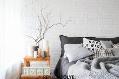 Gri yatak odası dekorasyonu tam hayalini kurduğunuz huzur için ideal.