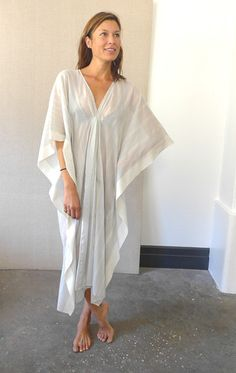 V Neck handwoven cotton caftan in stripes. Color: cloud grey with irregular stripe — Length — One size (interior width is typically — Free domestic shipping Mom Outfits, Pretty Outfits, Kaftan Pattern, Kaftan Designs, Look 2018, Long Kaftan, African Traditional Dresses, Caftan Dress, Sewing Projects