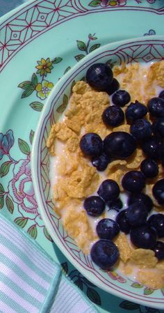Special K with blueberries (and Splenda)