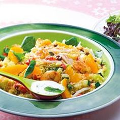 Salada de cuscuz com camarão e delícias do mar