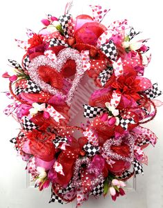 Great idea for Valentine's! XXL Deco Mesh wreath