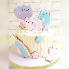Как же мне нравится украшать тортики пряниками!☺️#novoross #пряники#тортспряниками #пряникиновороссийск#cake#cookies #котики#коты#торткоты#тортскотом#тортновороссийск