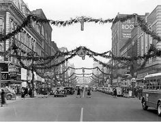 Vintage photo of Terre Haute downtown at Christmas Christmas Time Is Here, Christmas Past, Retro Christmas, A Christmas Story, Vintage Holiday, Christmas History, Xmas, Christmas Carol, Christmas Movies