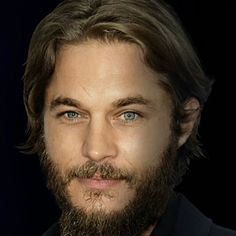 Travis Fimmel- pic to announce role in Warcraft (2014)