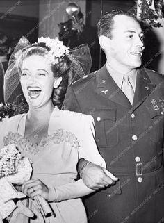 photo Dorothy Lamour and husband Capt. Wm. Howard 683-35