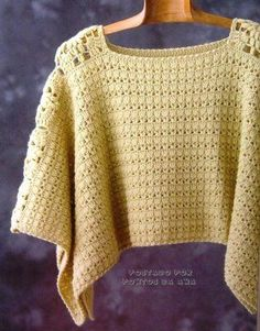 Gold points & floral poncho, free pattern diagram crochet granny squares could be used down the sides Poncho Au Crochet, Crochet Bolero, Pull Crochet, Mode Crochet, Crochet Shawls And Wraps, Crochet Jacket, Crochet Woman, Crochet Blouse, Knit Or Crochet