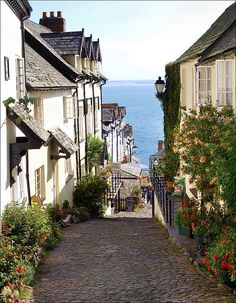 I want to live here. Clovelly, Devon; photo by Graham Skingley LRPS. That hill is quite steep mind!!