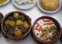 Tapas, Estofado con patatas y ensaladilla - Las casitas de Narán