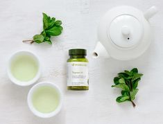 """Stay Younger Longer: Tegreen 97 has the same powerful antioxidants called polyphenols that are found in green tea ☕️ These antioxidants neutralize harmful free radicals and have a health-preserving and revitalizing power Luc, """"The Difference You'll Feel"""" Tegreen Capsules, Green Tea Capsules, Tegreen Nu Skin, Green Tea Pills, Kosmetik Shop, Green Tea Benefits, Antioxidant Vitamins, Green Tea Extract, Beauty Magazine"""