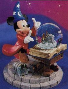 Disney Sorceror Mickey Crystal Ball Snowglobe