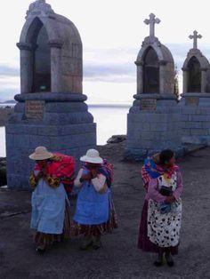 Bolivian women, Lake Titicaca.