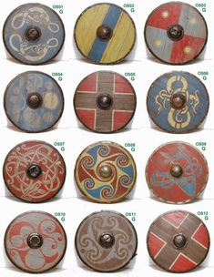 Shield patterns for Saxon / Vikings? Shield patterns for Saxon / Vikings? Shield patterns for Saxon / Vikings? Viking Warrior, Viking Life, Viking Woman, Escudo Viking, Viking Shield Design, Costume Viking, Viking Reenactment, Viking Dress, Viking Party