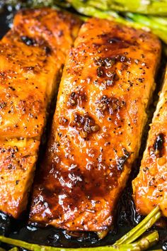 I think I could eat salmon and asparagus for dinner every day without ever getting tired of it. It's so healthful and versatile, I don't think I'd ever get bored. The pair cook at about the same … Salmon Potato, Garlic Salmon, Salmon And Asparagus, Asparagus Recipe, Baked Salmon, Grilled Asparagus, Delicious Salmon Recipes, Fish Recipes, Seafood Recipes