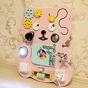 Куклы и игрушки ручной работы. Ярмарка Мастеров - ручная работа Бизиборд котенок нежно-розовый. 40х50см. Handmade.