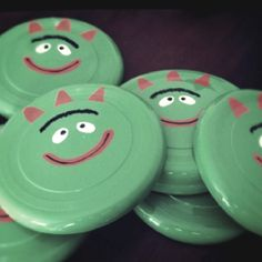 Brobee Frisbees ,,,,,,,,,,,could do Muno