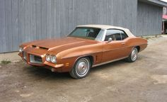 "1972 Pontiac LeMans Sport Convertible My first car, but it was ""gold"" - junior and senior year, High School! Pontiac Lemans, First Car, Senior Year, Le Mans, Convertible, High School, Wheels, Orange, Sports"