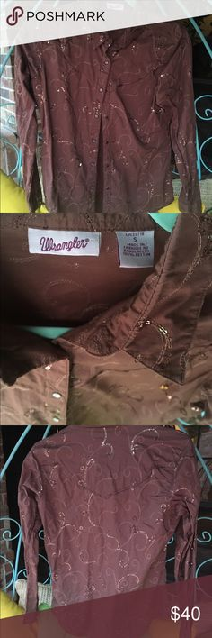 Wrangler Sequin Brown Button Down Shirt Worn Once This is a super cute country Button Down. It is gorgeously sequined and looks great with a pair of jeans and boots. It's a small and has only been worn once. Wrangler Tops Button Down Shirts