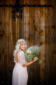 Wedding photography Most Beautiful, Wedding Photos, White Dress, Flower Girl Dresses, Wedding Photography, Memories, Wedding Dresses, Fashion, Marriage Pictures