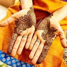 #traditional #henna #tattoo #hennatattoo #hennaart #hennaartist #hennaparty #traditionaltattoo #mehndi #mehndidesign #mehndiartist #mehendi…