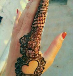 #engagement #mehandi #bigfatwedding #colourfull #bridesofasia #bridesofindia #india #indian #instablog #instadaily #instawedding #instagram #glamorous #photographerbride #indianbride #indianwedding #weddingdecor #bride #groom #love #lehanga #weddingdress #vows #shoes #bridalshoot #bridalmakeup #bridesmaids #bridalshower #henna #hennessy
