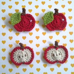 4pcs - Mix Whole / Half Red Apples Appliques - fine acrylic yarn - made to order