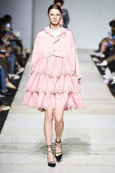 SFW : Seoul Fashion Week YCH SS19 Pink Fashion, Colorful Fashion, Fashion Art, Runway Fashion, Fashion Show, Womens Fashion, Seoul Fashion, Korean Fashion, Cute Dresses