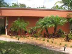 """Landscaping a house on a small lot is something a homeowner can do economically at through a local home and garden center. For attractive landscaping, visit """"landkeepersinc.com""""."""