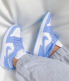 All Nike Shoes, Nike Shoes Air Force, Hype Shoes, Shoes Jordans, Nike Shoes Outfits, Sneakers Nike, Cool Jordans, Nike Free Outfit, Cheap Jordans