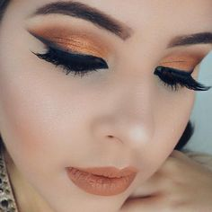 Lovely look by Azanelly Toledo using eyeshadows from the Makeup Geek Vegas Lights Palette.